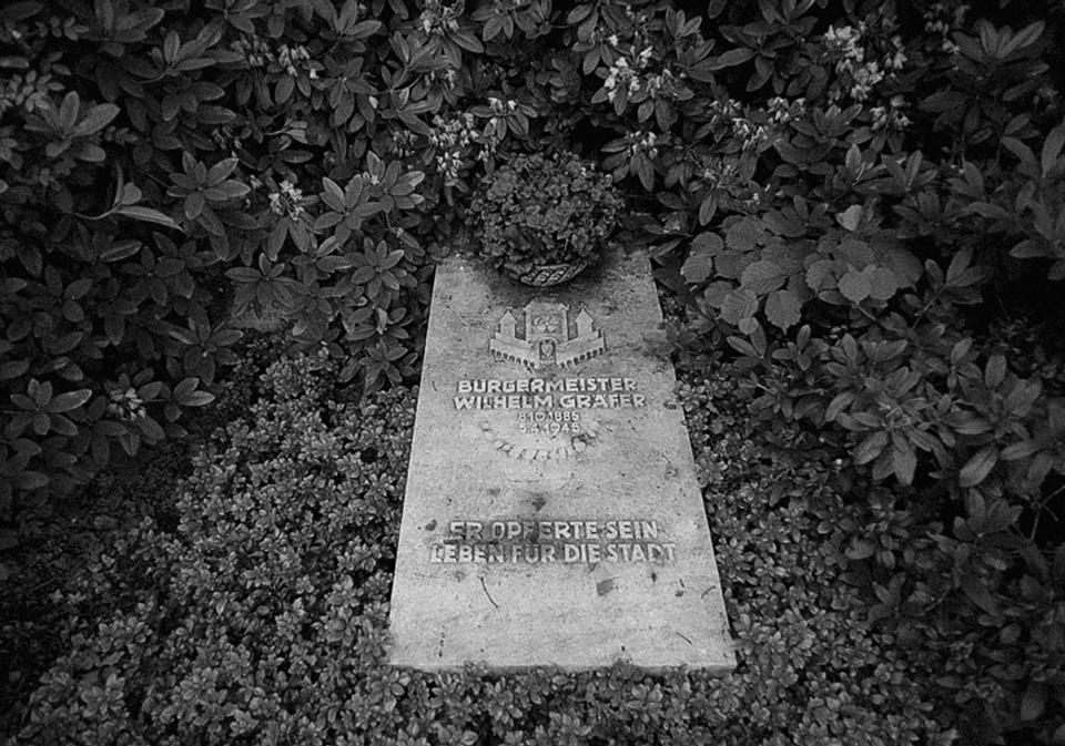 Grabstätte Wilhelm Gräfer, Andreas Pawel: Orkan aus West - Vom Ruhrkessel zur Harzschlacht 1945